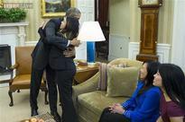 Dallas nurse cleared of Ebola virus, receives hug, thanks from Barack Obama