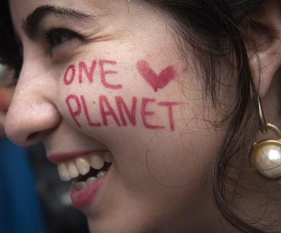 SOS Mother Earth: World stages 'biggest ever' climate change march