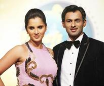 Sania backs hubby Shoaib in ugly spat with Tino Best